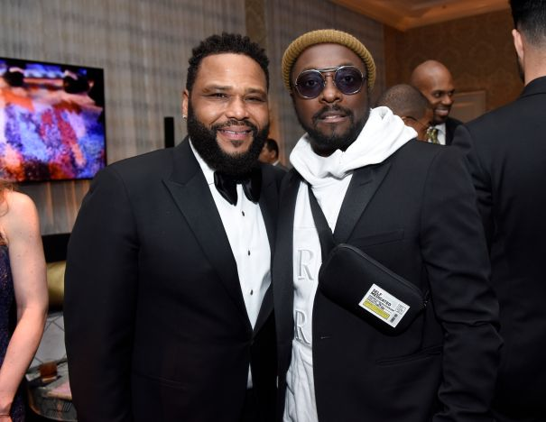 Will.i.am & Anthony Anderson Strike A Pose