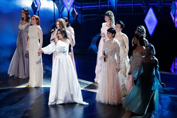 Idina Menzel And A Host Of Elsas