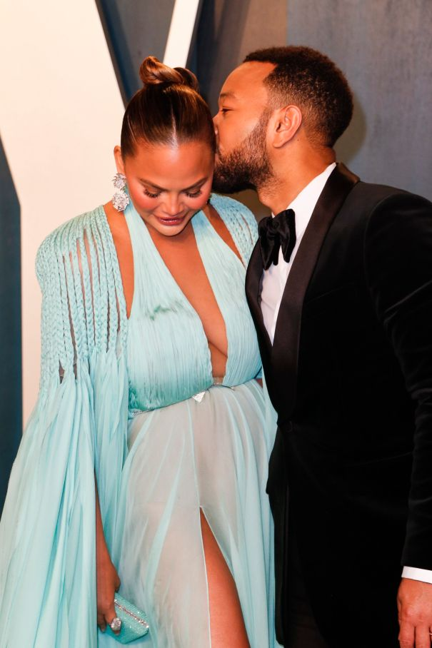Chrissy Teigen, John Legend's PDA-Filled Oscars