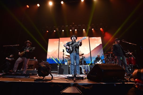 Zac Brown Band Entertains The Crowd