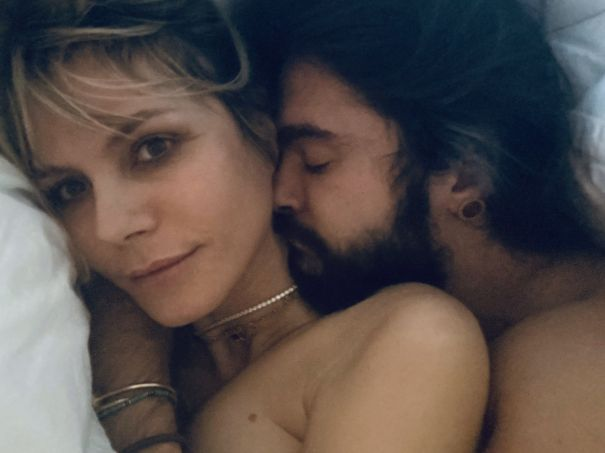 Heidi Klum Starts Her Day With Tom Kaulitz Cuddles