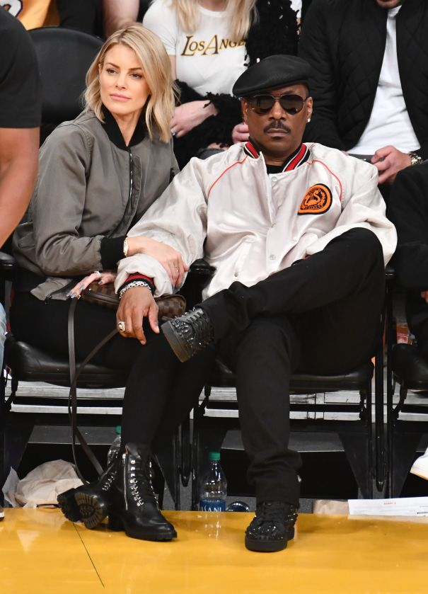 Eddie Murphy & Paige Butcher Sit Courtside