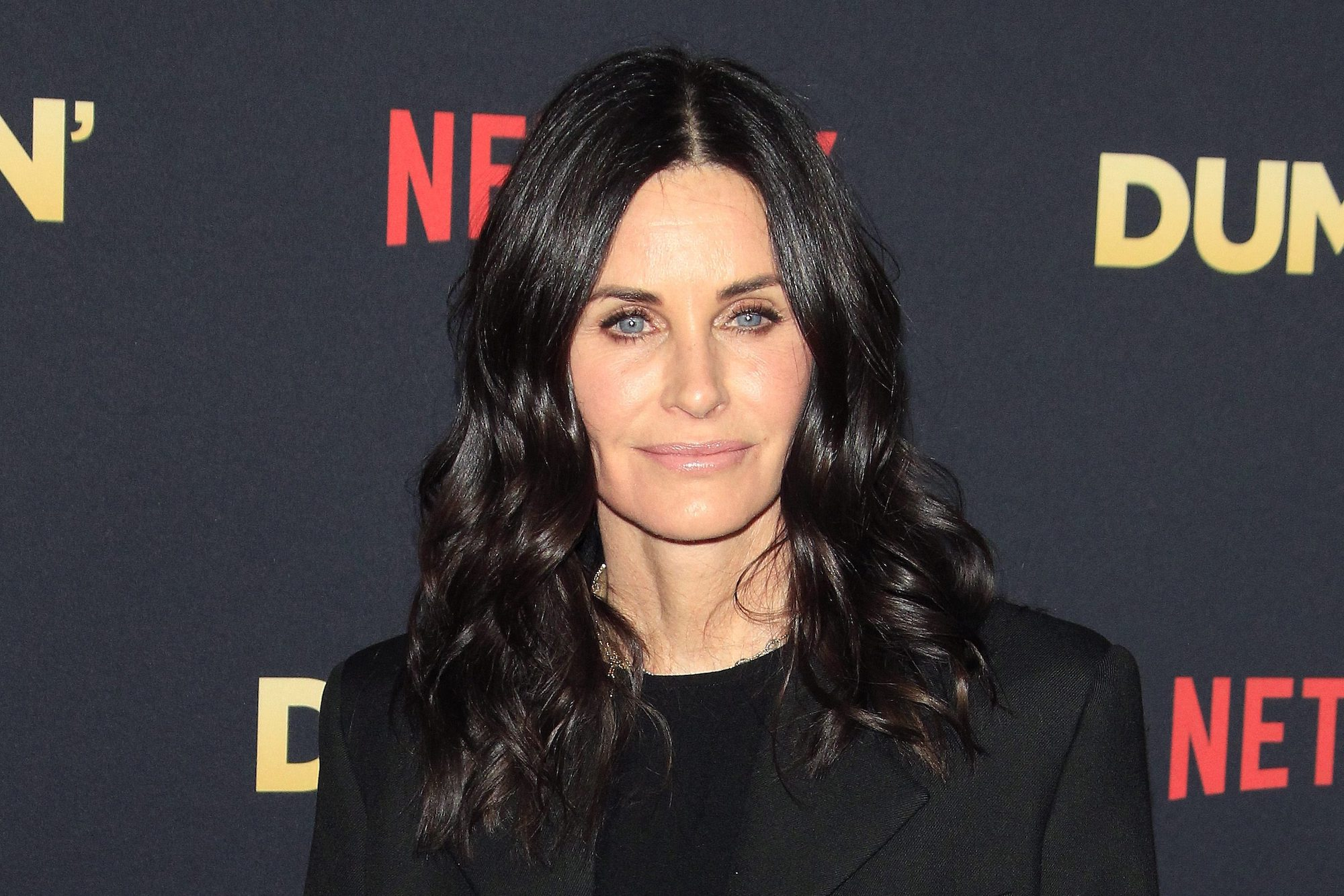 Coco Arquette Attempts To Do Mom Courteney Cox's Makeup: 'I Guess You Get What You Pay For'