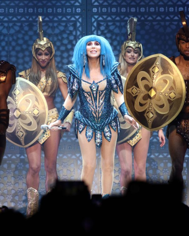 Cher Cancels Concerts