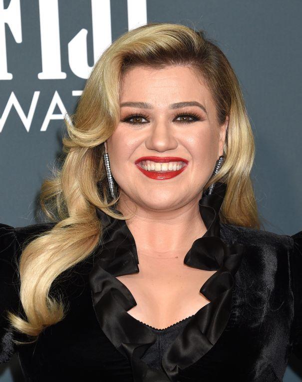 Kelly Clarkson Postpones Las Vegas Residency
