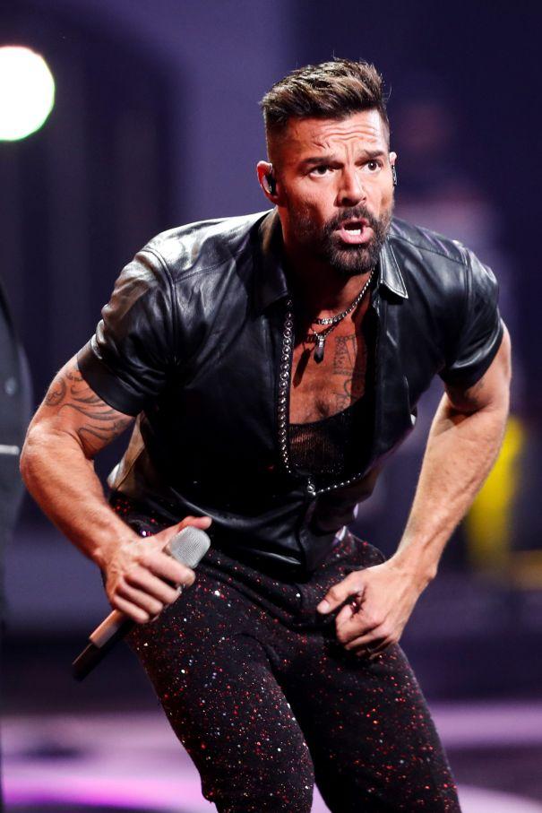 Ricky Martin Postpones Tour