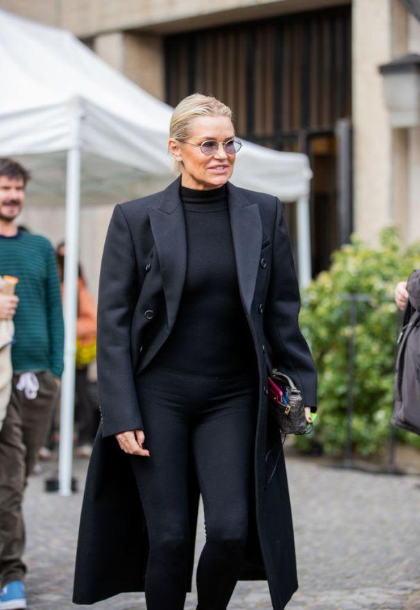 Yolanda Hadid Decked Out In Black