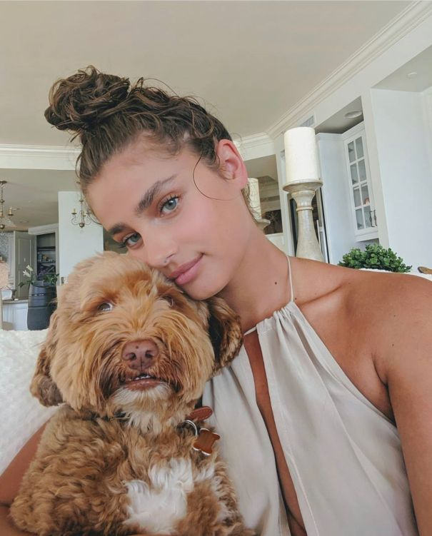 Taylor Hill Keeps It Neutral