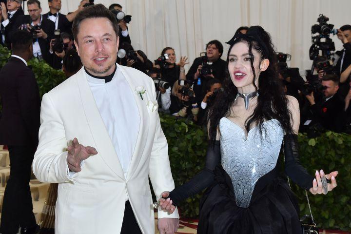Elon Musk, Grimes. Photo: ANGELA WEISS/AFP via Getty Images