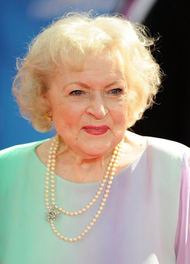 Betty White To Star In Lifetime Holiday Movie