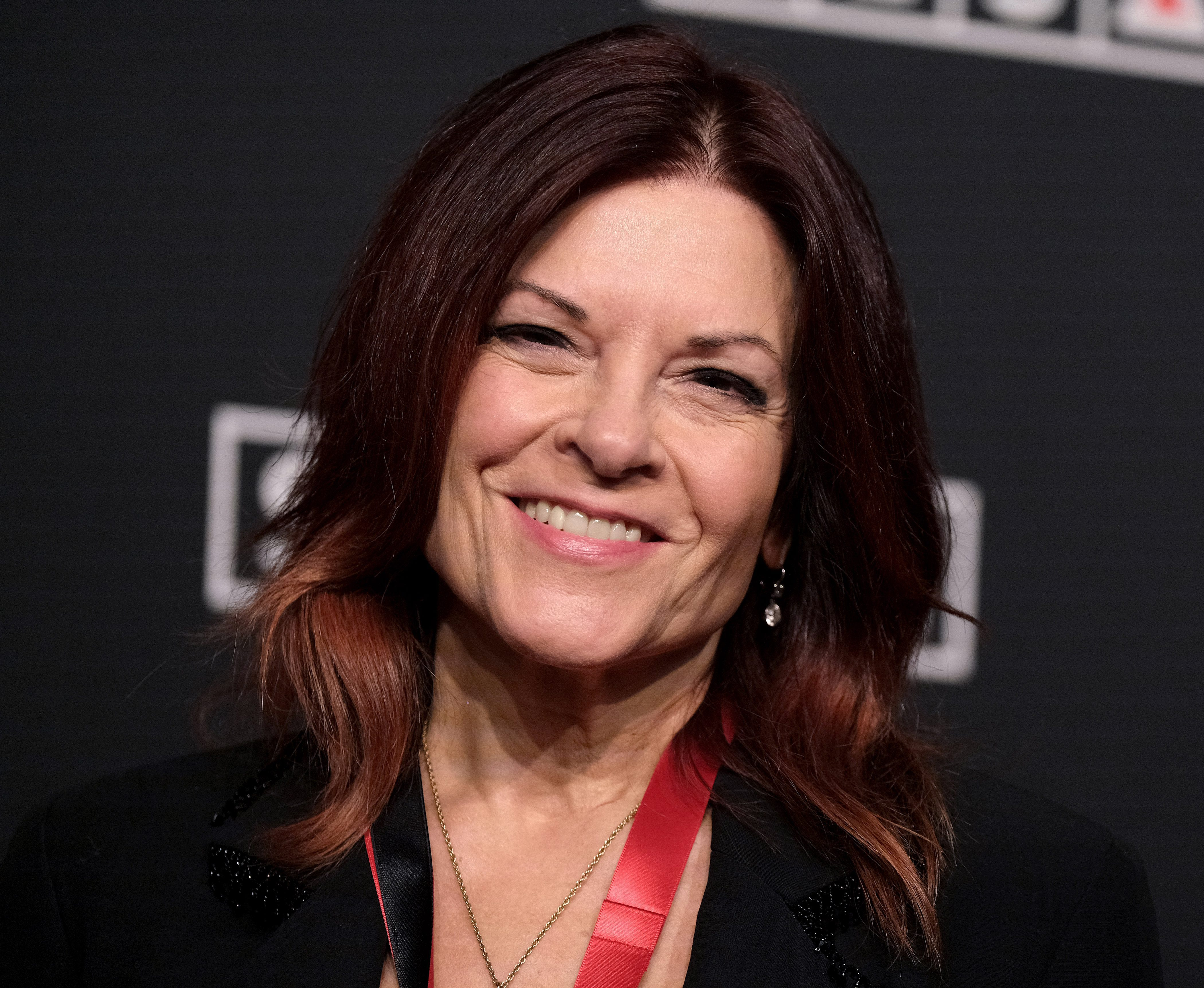 Rosanne Cash Says Daughter Was Called A 'Liberal P**sy' For Wearing A Mask In Nashville