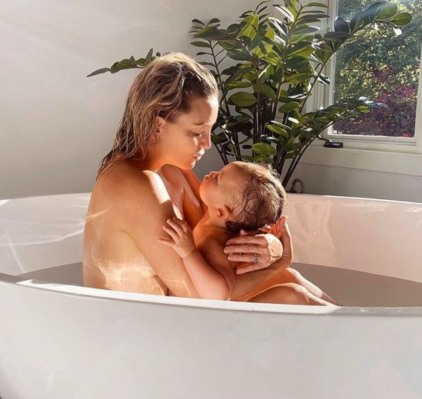 Kate Hudson Shares Adorable Bath Time Photo With Daughter Rani Rose