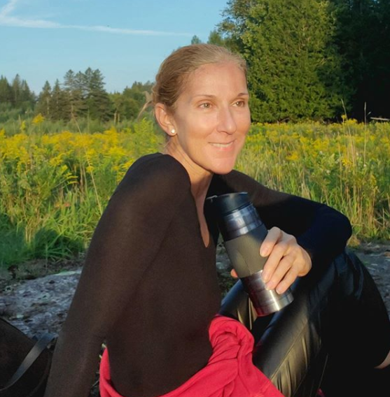 Céline Dion Goes Natural For Thanksgiving