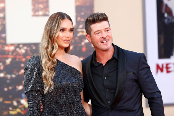 April Love Geary Expecting Third Baby With Robin Thicke