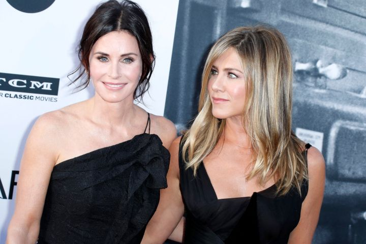 Courteney Cox and Jennifer Aniston. Photo: CPImages