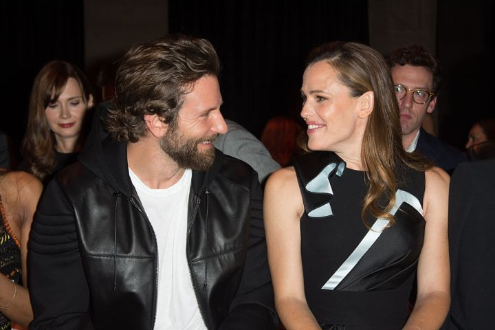 PARIS, FRANCE - JULY 03:  (L-R) Actors Bradley Cooper and Jennifer Garner attend the Versace Haute Couture Fall/Winter 2016-2017 show as part of Paris Fashion Week
