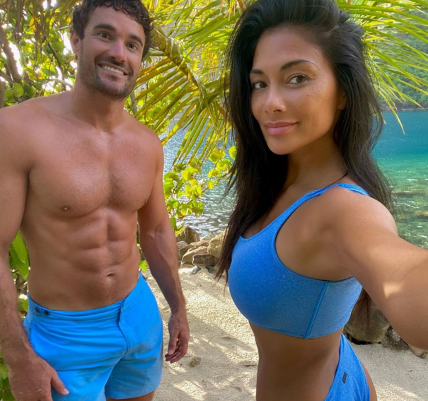 Nicole Scherzinger And Thom Evans Look Loved Up