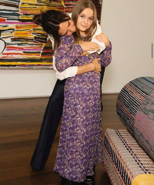 Harper Beckham Looks So Grown Up In Mom Victoria's Latest Pic