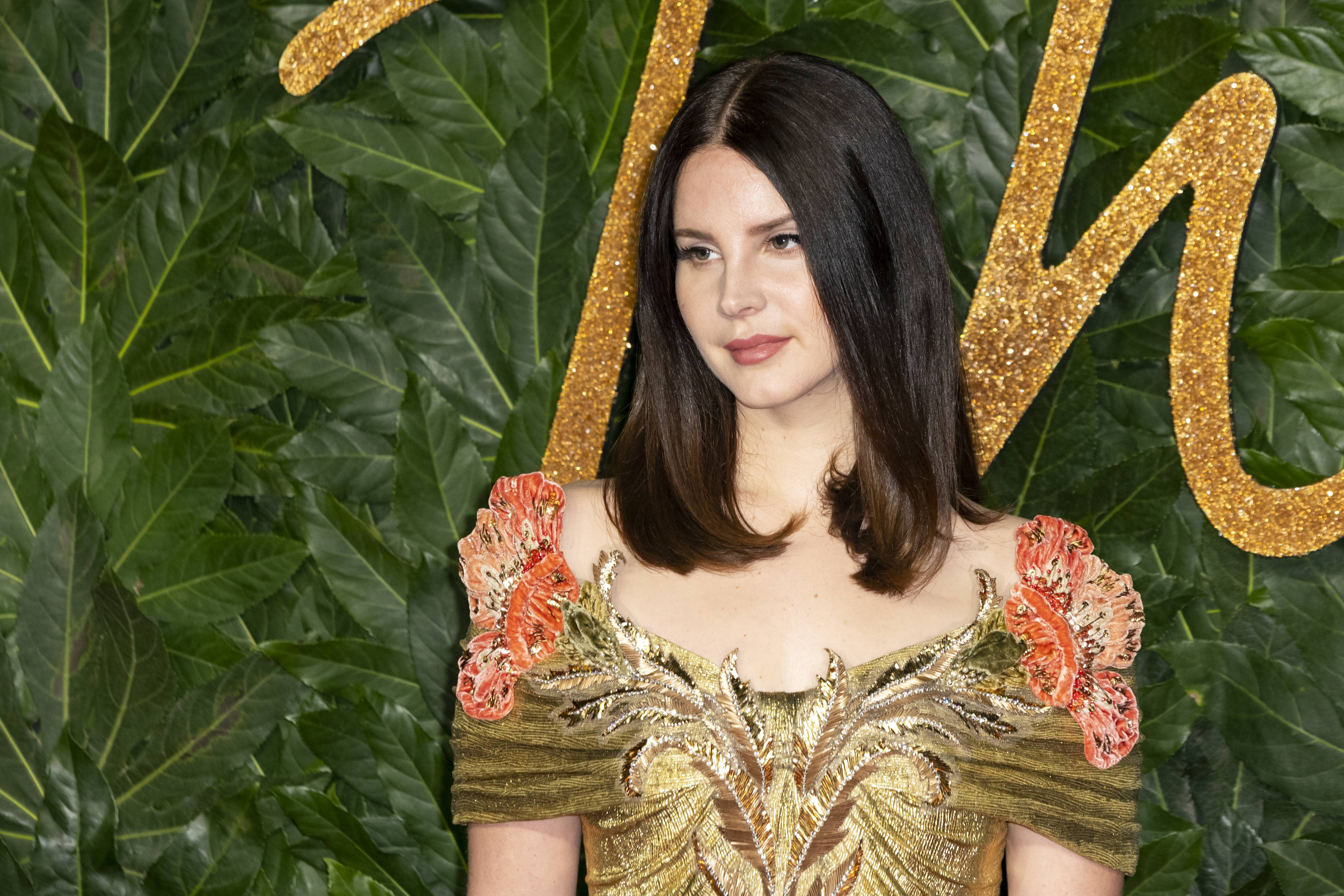 Lana Del Rey Releases Sultry New Single Let Me Love You Like A Woman Etcanada Com