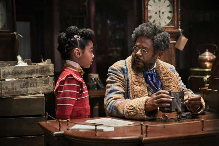 JINGLE JANGLE: A CHRISTMAS JOURNEY (2020) Madalen Mills as Journey Jangle and Forest Whitaker as Jeronicus Jangle.  Cr.Gareth Gatrell/NETFLIX
