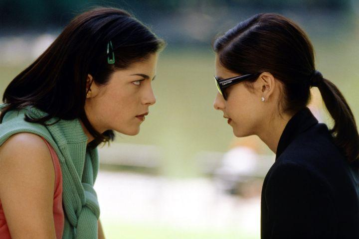 "Selma Blair and Sarah Michelle Gellar in ""Cruel Intentions. Photo: CP Images"