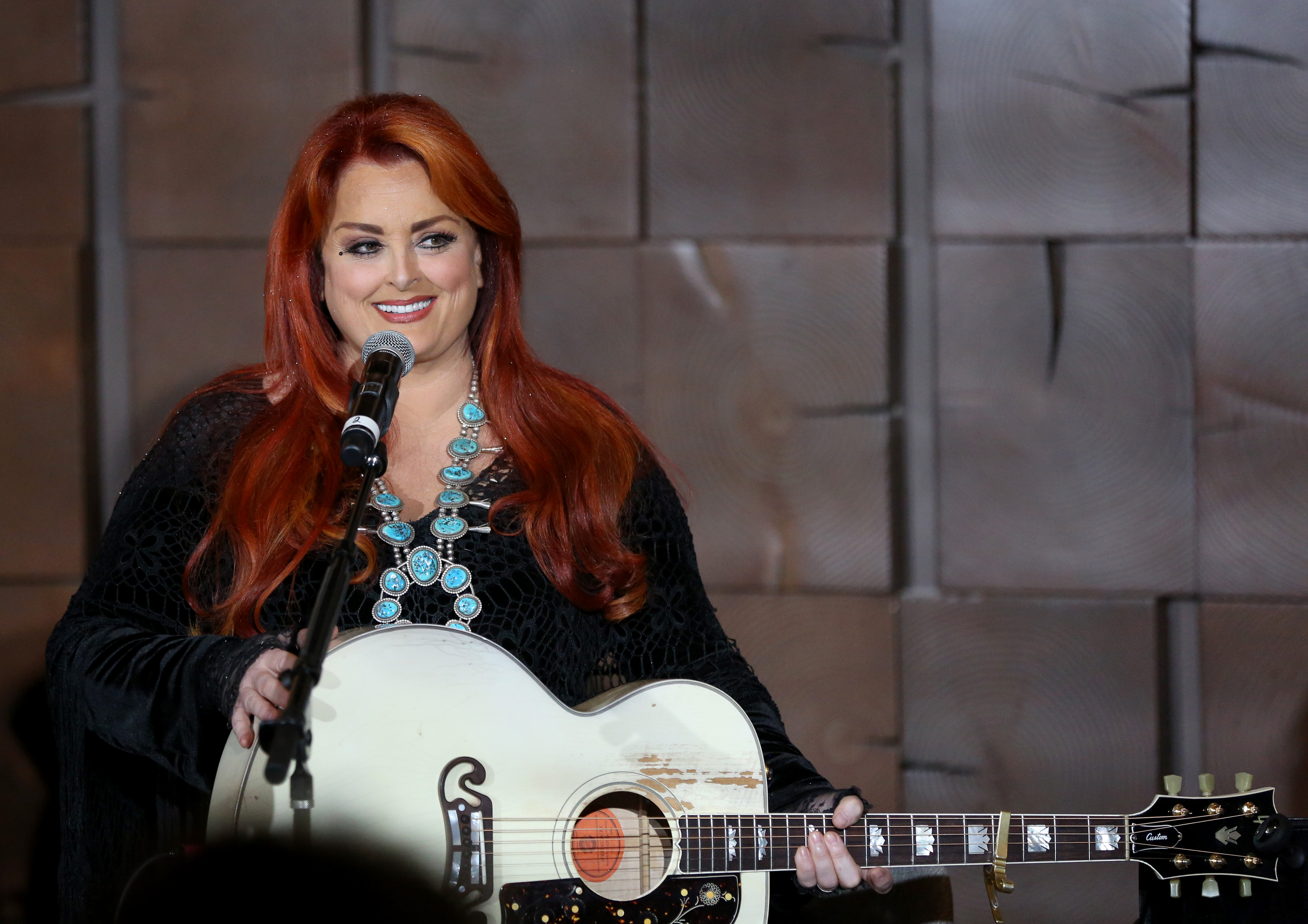 Wynonna Judd Tells Andy Cohen About Meeting Her Biological Brother For The First Time