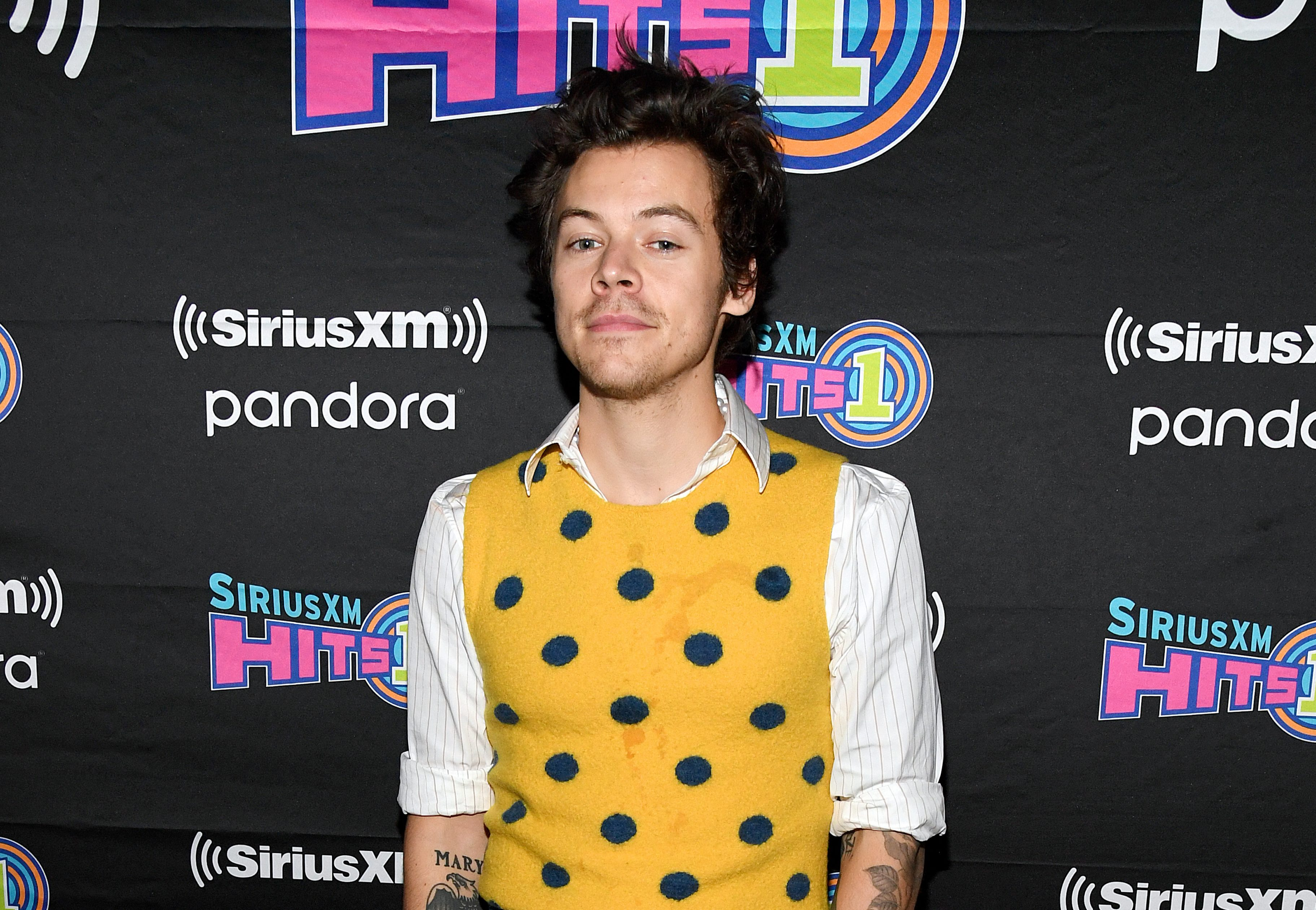 Harry Styles Debuts A New Haircut And It Has Twitter Going Crazy