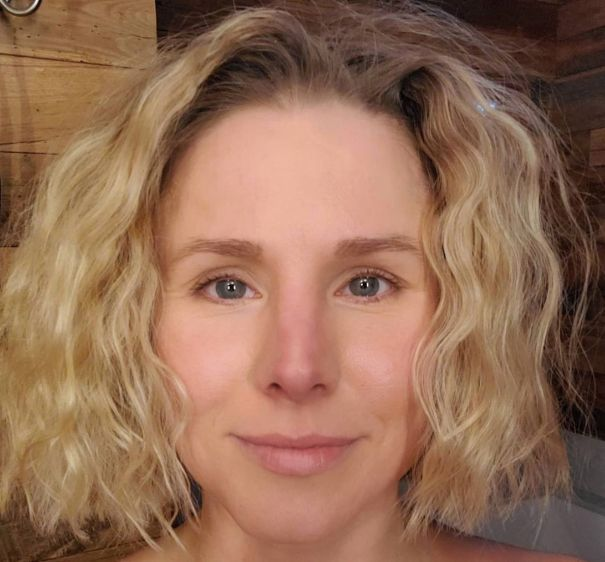 Kristen Bell Bare-Faced And Beautiful