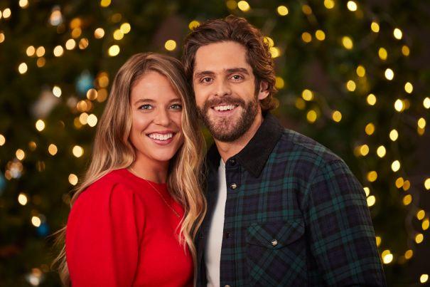 Thomas Rhett, Lauren Akins To Bring CMA Holiday Cheer