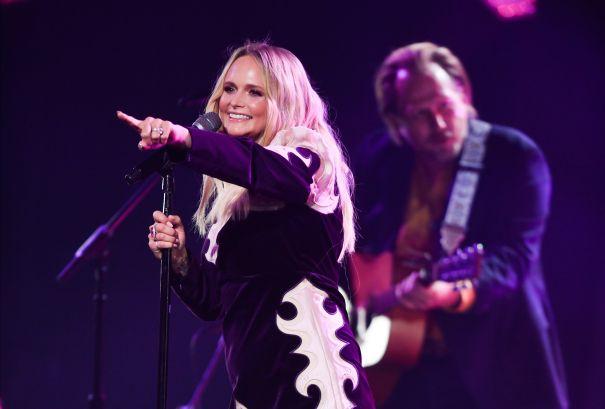Miranda Lambert Strips Down For 'Settling Down'