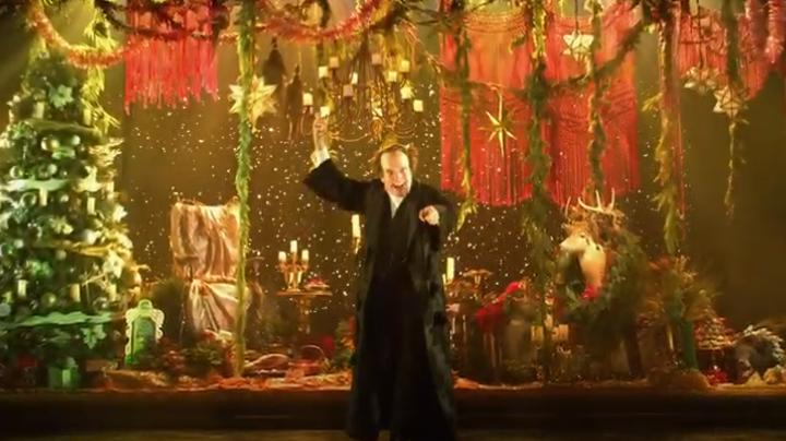Jefferson Mays Plays 50 Roles In 'A Christmas Carol' Rendition   ETCanada.com