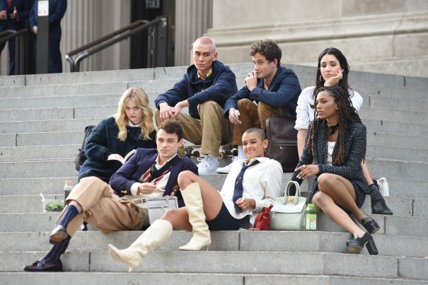 'Gossip Girl' Cast Seen Filming In New York