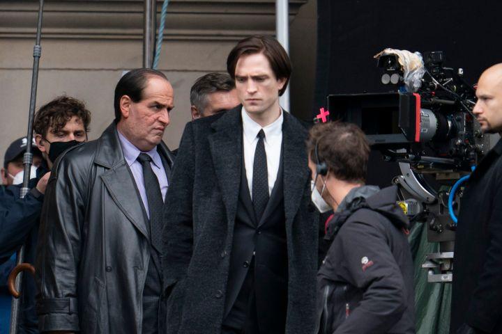 "Colin Farrell and Robert Pattinson filming ""The Batman"". Photo: AP Photo/Jon Super/CP Images"