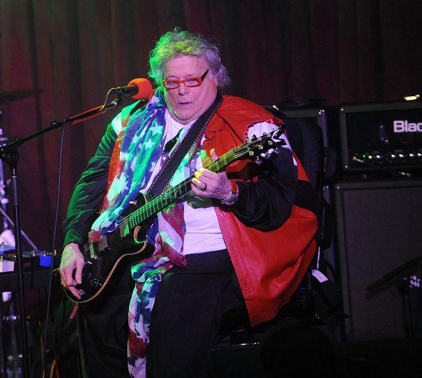 Mountain Guitarist Leslie West Dies At 75