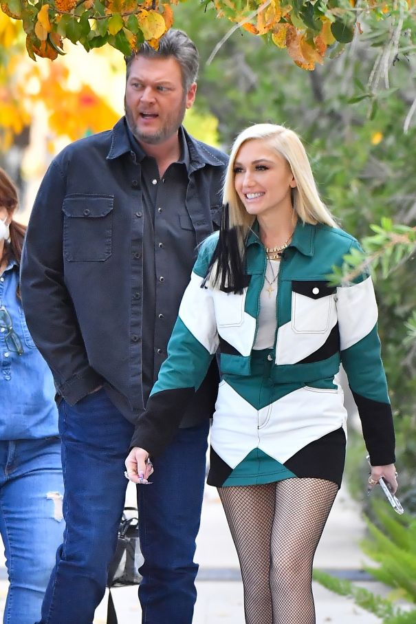 Gwen Stefani And Blake Shelton Stop By The Studio
