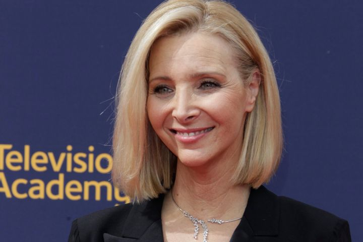 Lisa Kudrow Teases She 'Shot A Little Something' For A 'Friends' Reunion