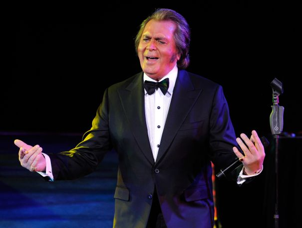 Engelbert Humperdinck And His Wife Patricia Test Positive For COVID-19