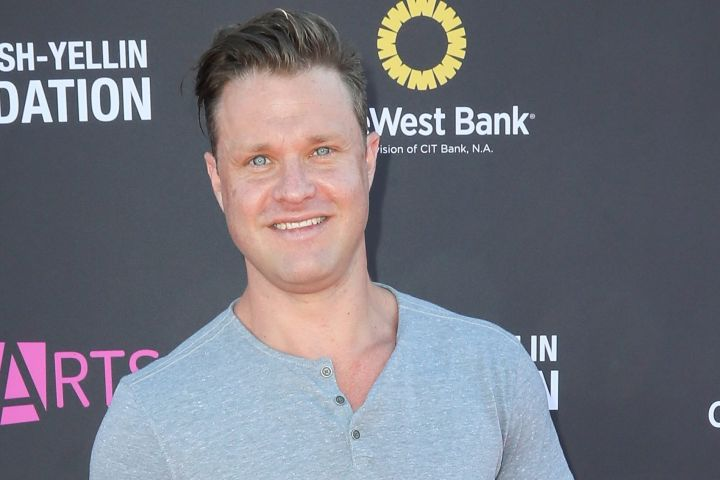 SANTA MONICA, CA - NOVEMBER 13:  Actor Zachery Ty Bryan arrives at the P.S. ARTS' Express Yourself 2016 at Barker Hangar on November 13, 2016 in Santa Monica, California.  (Photo by David Livingston/Getty Images)