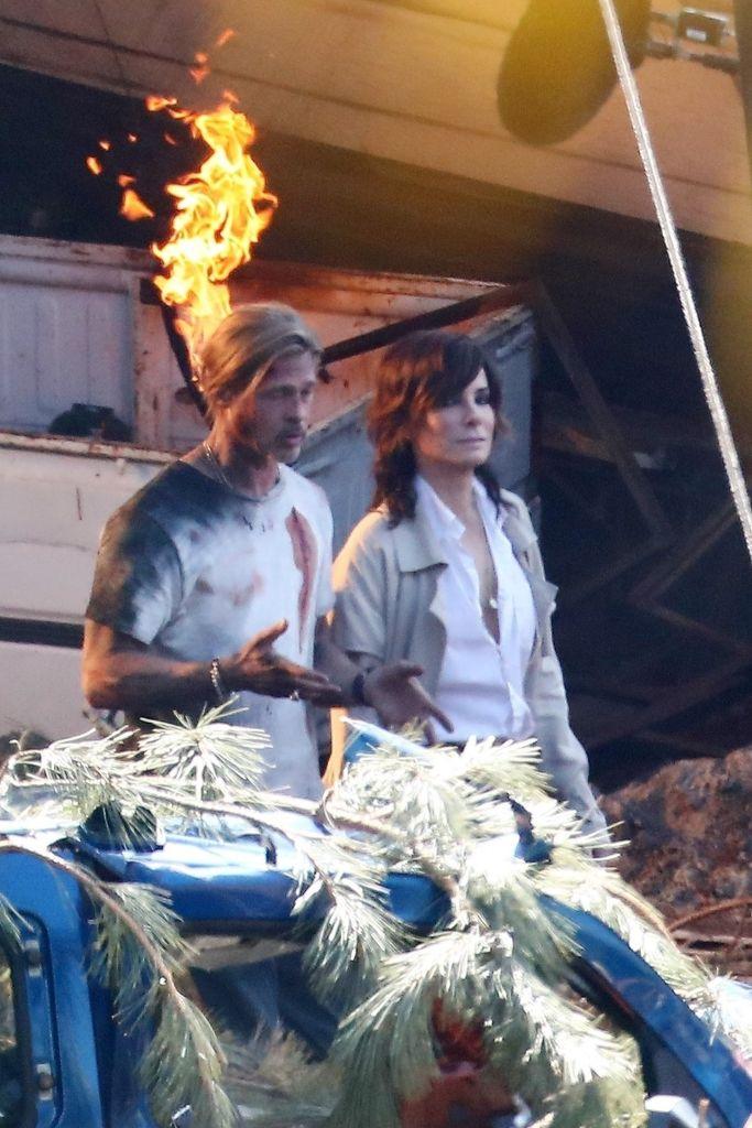 Sandra Bullock and Brad Pitt