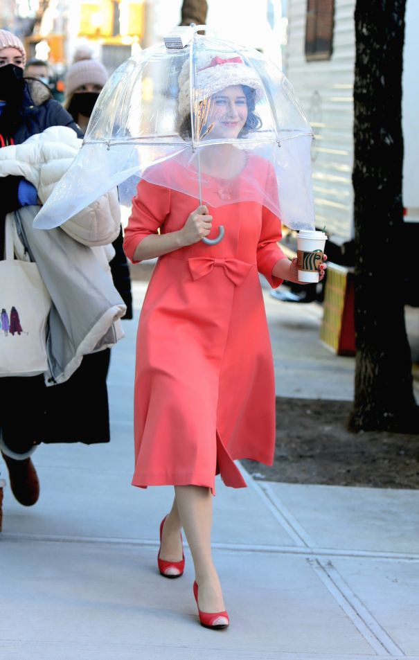 Rachel Brosnahan Shoots 'The Marvelous Mrs. Maisel' In NYC