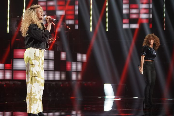 """Tori Kelly and Madison Walker duet Stevie Wonder's """"Don't You Worry Bout a Thing"""" on Monday April 8."""