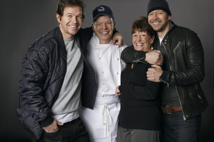 Mark Wahlberg, Paul Wahlberg, Alma McPeck, Donnie Wahlberg,