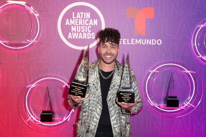 Prince Royce, winner of Favorite Song - Tropical and Favorite Artist - Tropical