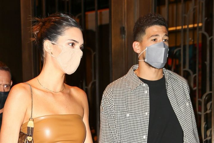 Kendall Jenner And Devin Booker Hold Hands During Date ...
