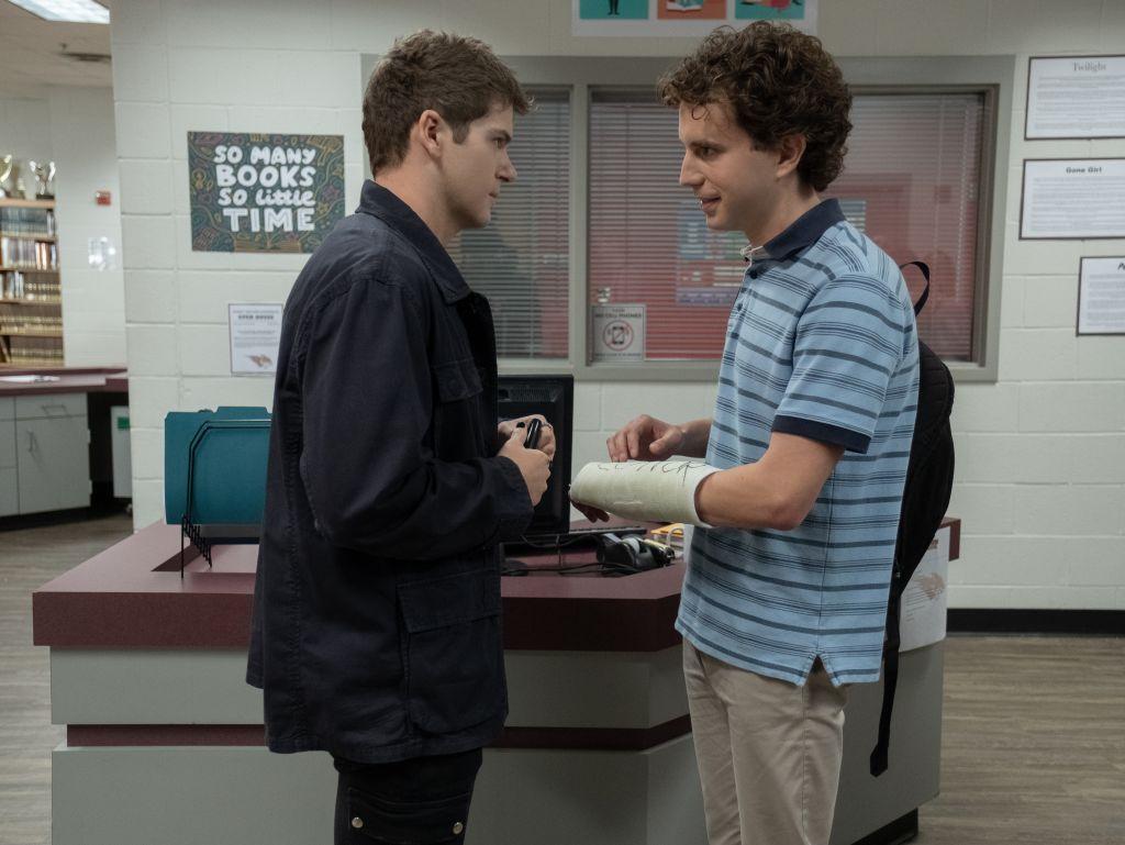 (from left) Connor Murphy (Colton Ryan) and Evan Hansen (Ben Platt) – Universal Pictures