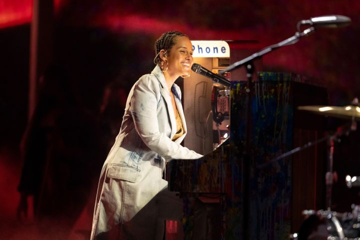 Alicia Keys performs on stage for the 2021 Billboard Music Awards