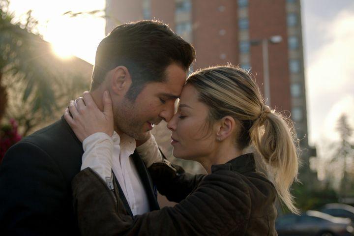 """Tom Ellis and Lauren German in """"Lucifer"""""""