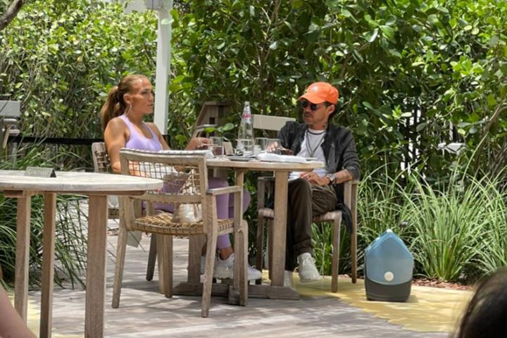 Jennifer Lopez is spotted in Miami with her ex-husband, Marc Anthony as the pair share lunch together in the fresh air on the patio at the W Hotel South Beach. Photo: Splash