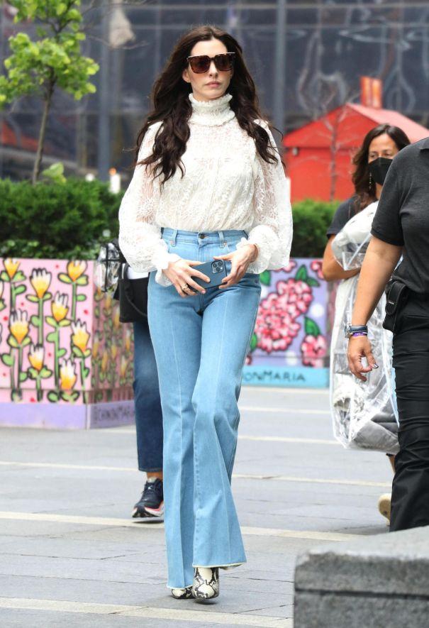 Anne Hathaway Films 'WeCrashed' In NYC