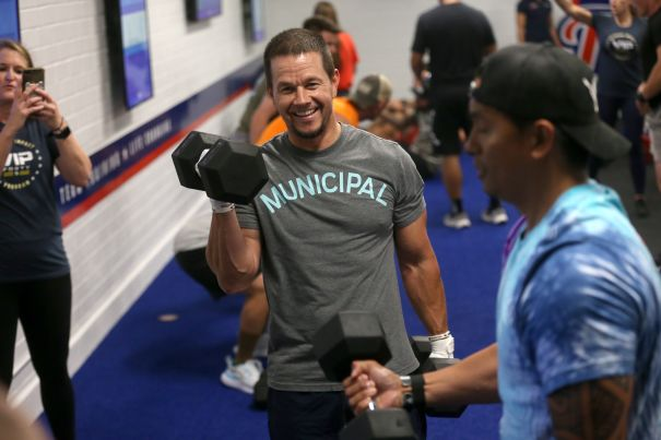 Mark Wahlberg Trains With The Marines